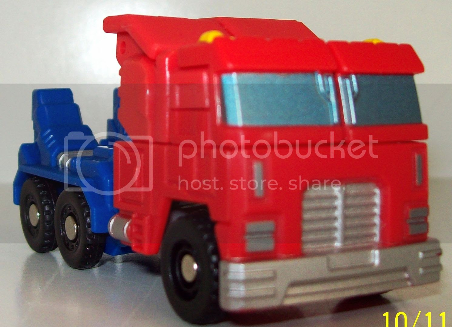 Optimus Prime Roller photo TF006_zps9912844e.jpg