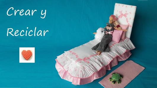 Cómo hacer una cama, una colcha y un edredón para muñecas muy