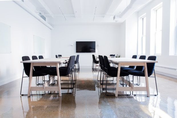 6 Benefits of Renting a Meeting Room