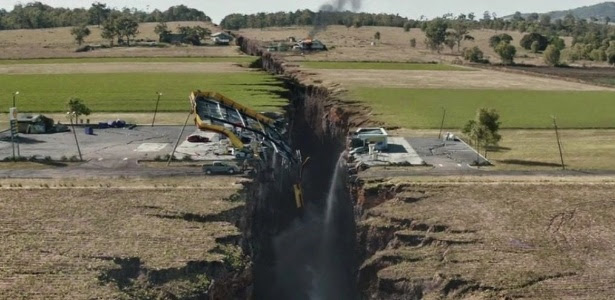 """Cena do filme """"Terremoto - A Falha de San Andreas"""" (2015), do diretor Brad Peyton"""