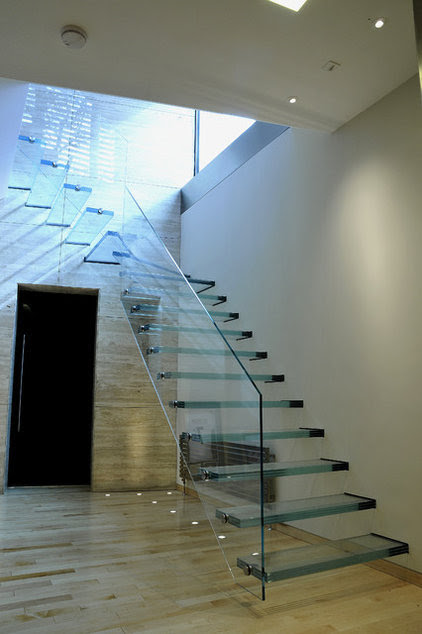 Clear Staircases — They're a Real Glass Act