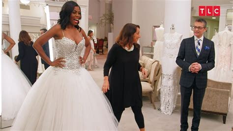 Is Omarosa Really Choosing This Racy Wedding Dress?   Say
