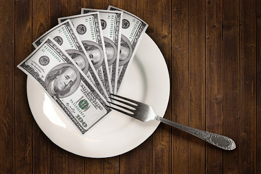 8 Strategies to Save Money Eating Out - Save Outside the Box