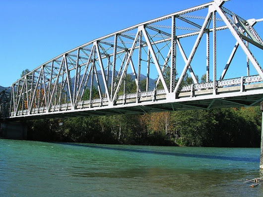 America's Bridges Really Are Getting Old: One Just Collapsed Into the Skagit River