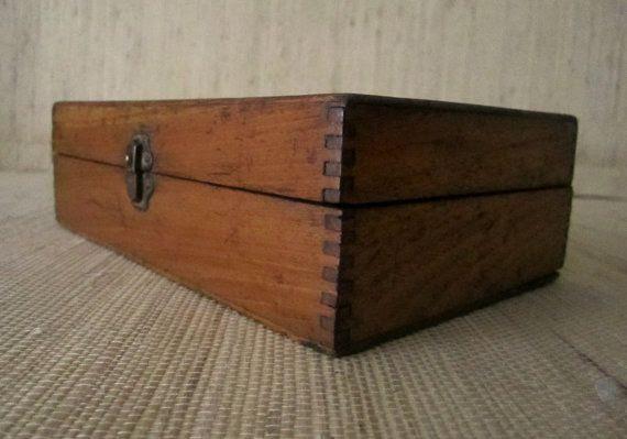 Vintage 194050s  Lidded PINE BOX with by CarliBeardsleyStudio, $15.00