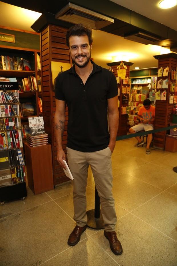 Joaquim Lopes no lançamento do livro de Maria Ribeiro  (Foto: Felipe Assumpção / Agnews)