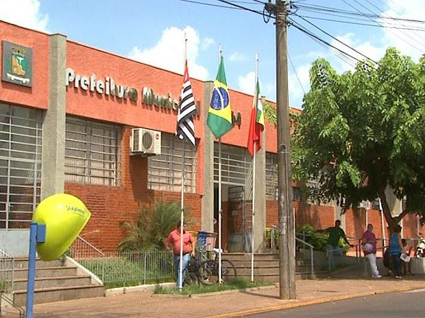 Prédio da Prefeitura de Barretos, SP (Foto: Paulo Souza/EPTV)