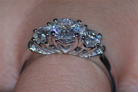 Engagement Rings: How Much Should I Spend?