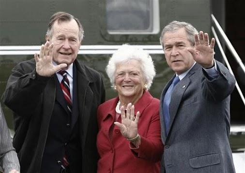 US BARBARA BUSH HOSPITALISED! Then U.S. President George W. Bush (R) waves alongside his parents, former...