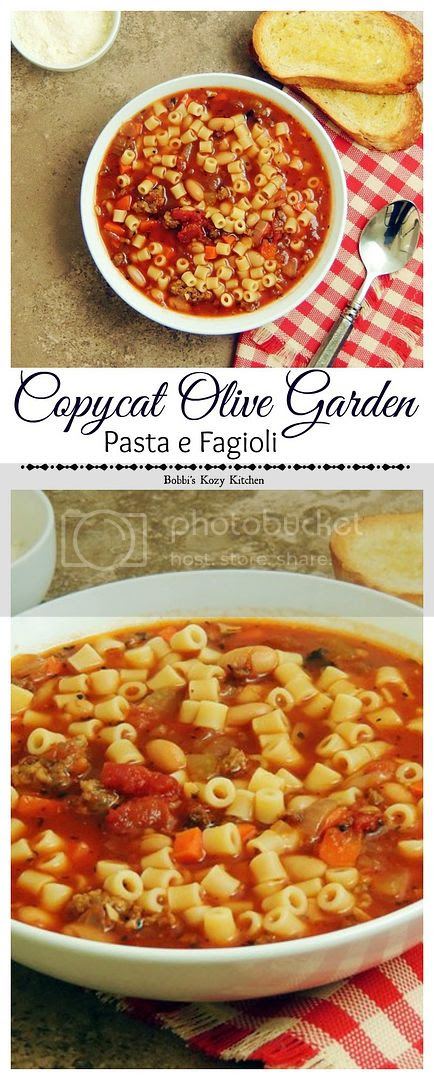 Olive Garden Pasta e Fagioli Copycat - Make your favorite Olive Garden soup at home for a fraction of the cost, and no waiting for a table! www.bobbiskozykitchen.com