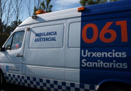 Accidente de dous vehículos no cruce da carretera de San Amaro (Conjusa) na Portela con feridos.