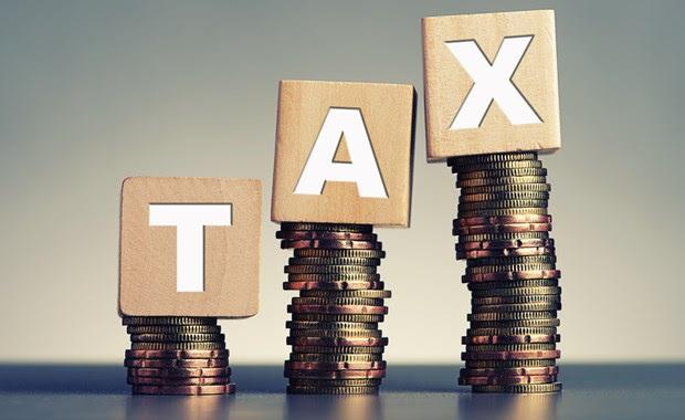 """Ξεθωριάζει το """"success story"""" των φορολογικών εσόδων"""