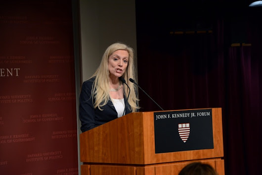 Fed Governor Brainard Discusses Economic Transition at IOP | News | The Harvard Crimson
