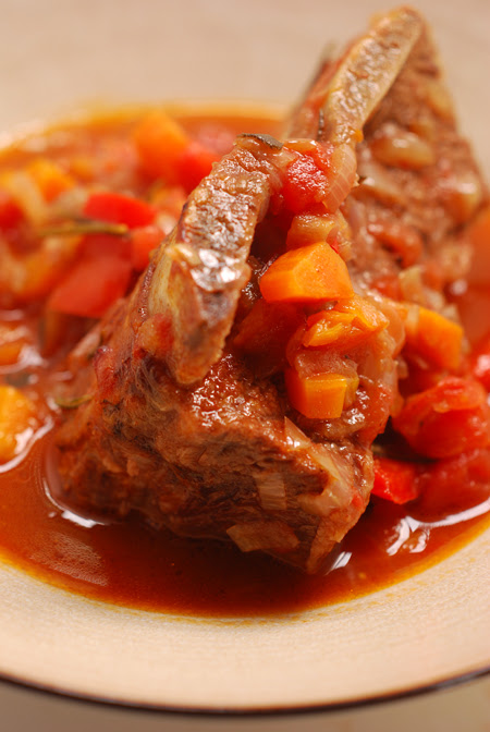 slow cooked beef ribs ©