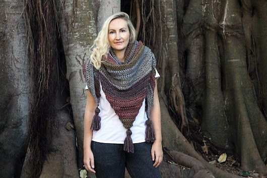 How To Knit An Easy Triangle Wrap For Fall | Free Knitting Patterns | Handy Little Me