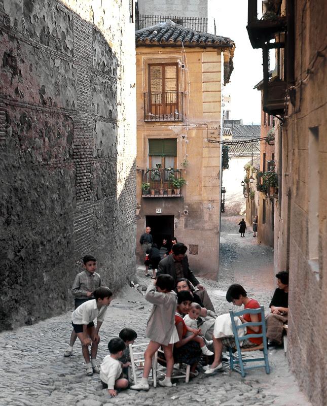 Calle de Santa Leocadia en Toledo en 1967. Fotografía de John Fyfe