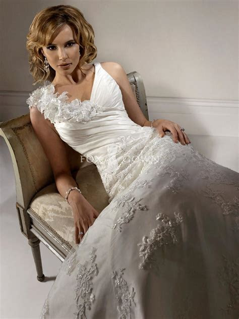 How to Search Out Competent Wedding Dress Designers