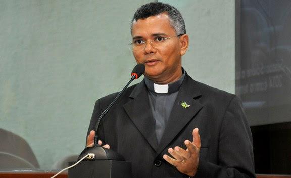 Coordenador da Campanha no Estado, padre João Maria do Nascimento