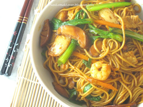 Shanghai stir-fried noodles