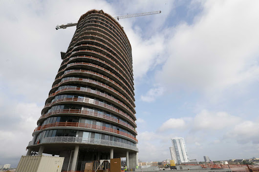 Elliptical tower in Upper Kirby tops out