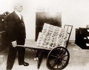 http://www.sott.net/image/image/s1/21717/full/Web_of_debt_hyperinflation.jpg