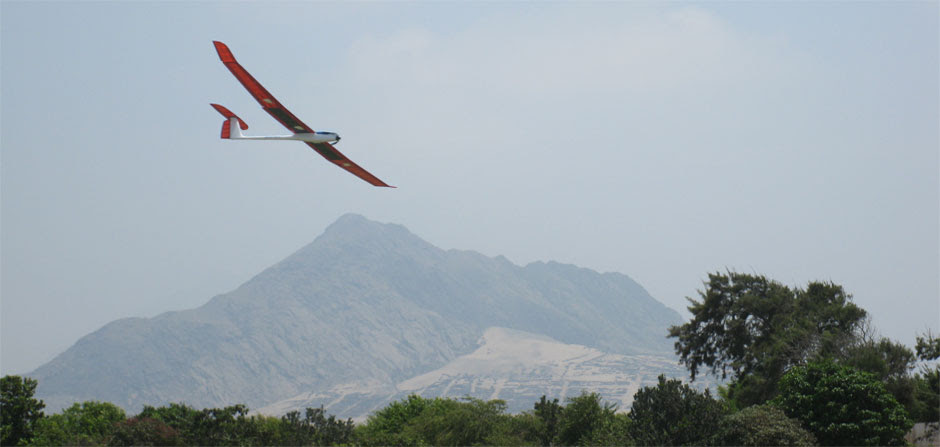 Glider over Trujillo Club Field