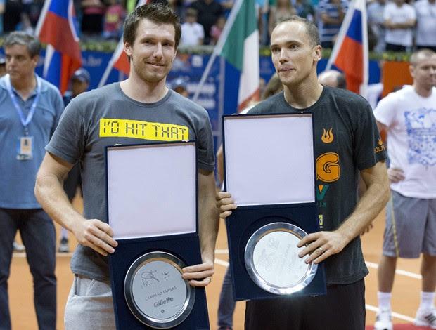 Bruno Soares tênis Alexander Peya Brasil Open troféu final (Foto: EFE)