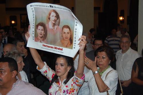Protesta en salon Caonabo del Hotel SD por joserafaelsosa.