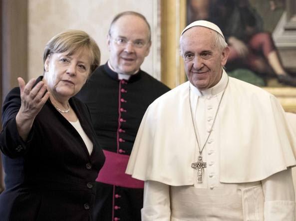 Il Papa con Angela Merkel lo scorso 18 giugno (LaPresse)