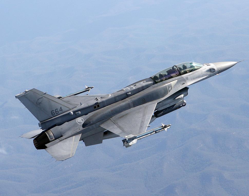 Lockheed Martin F-16 Fighting Falcon   ( caza polivalente monomotor USA ) - Página 5 Od3hI4aW5xymIEemg9ggv2Fzxq0YJULlJrapNTHEZBbaFO9KvfZz_Gx0bDKyip_wOfORoKbRlbS0eei-HMYJYBSk1syExh56I-CjrIJ9cPZpjsgJMmmfO8JoD-uPxXV92j_6GziiVSAJY9k=s0-d