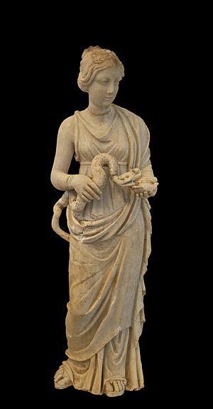 Ελληνικά: Μικρό άγαλμα της Υγιείας. Μέσα του 2...