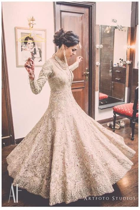 Best 25  Hairstyles with lehenga ideas on Pinterest