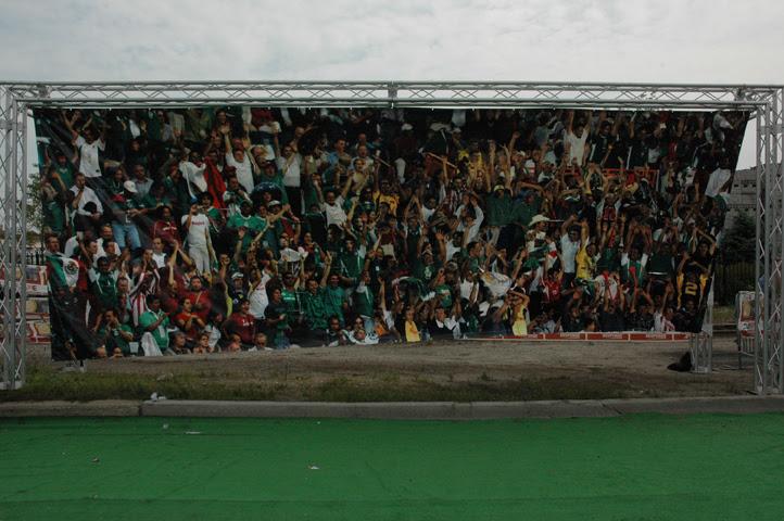 Team Mexico soccer fans web