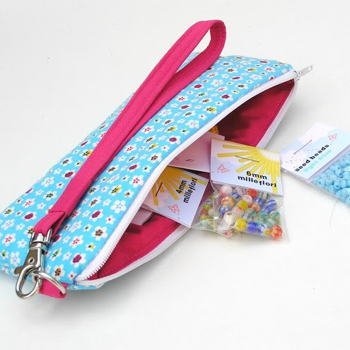 Haptree - Blue Wristlet with Jewellery Kit