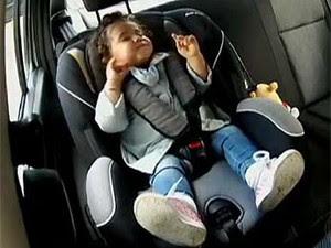 Criança em cadeirinha (Foto: TV Globo/Reprodução)