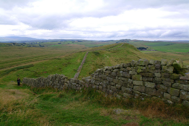 File:Hadrian's Wall view near Greenhead.jpg