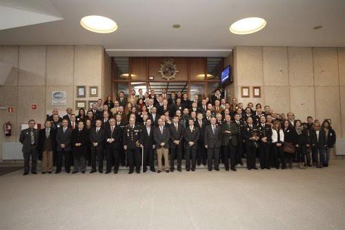 Foto de familia en la Academia de Policía de Ávila.