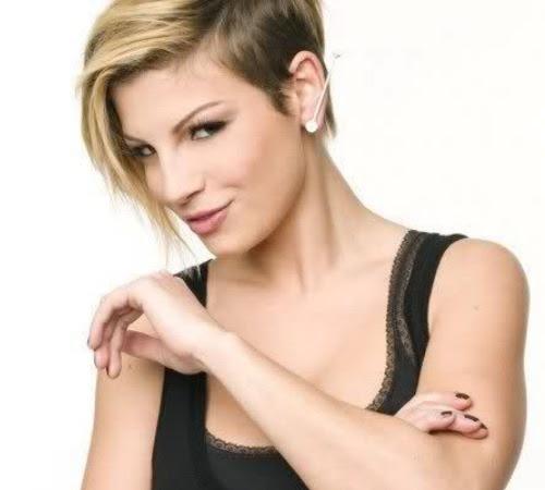 taglio di capelli di emma marrone - Le acconciature di Emma Marrone UnaDonna