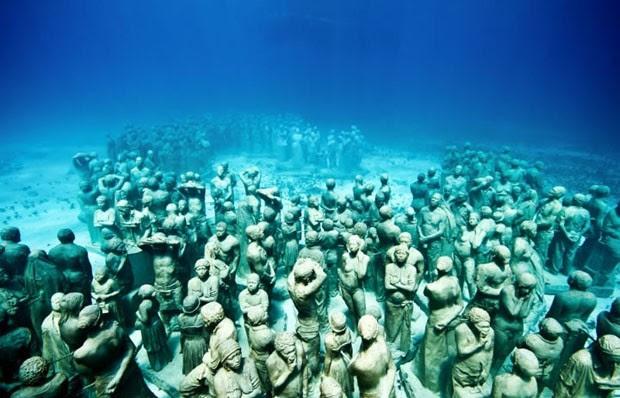 Resultado de imagem para figuras de Des e o fundo do mar