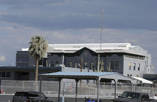 As Arizona inmate gasped in execution chamber, legal drama unfolded