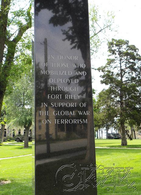 DSCN1576 Monument