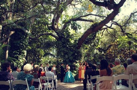 Oak pavilion wedding ceremony at Sunken Gardens St