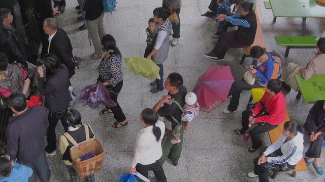 Waiting for the grocery store to open, Xichang