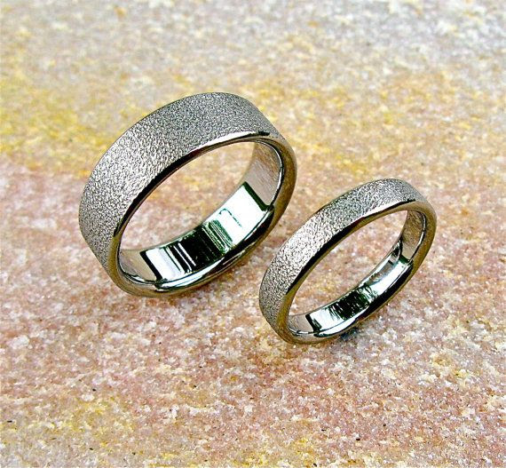I love his and her wedding bands