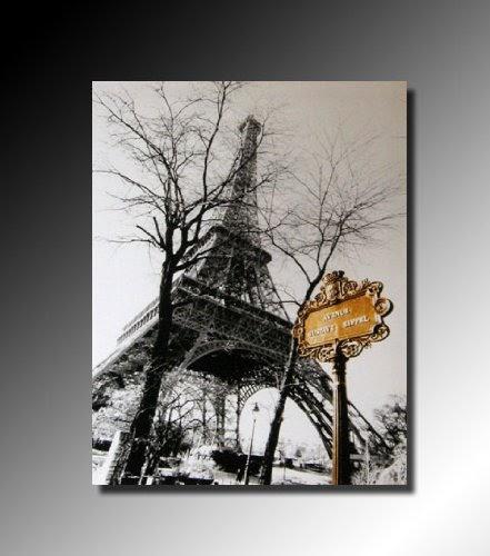 cadres tableau toile decorative paris la tour eiffel vue d en bas peinture a l huile. Black Bedroom Furniture Sets. Home Design Ideas
