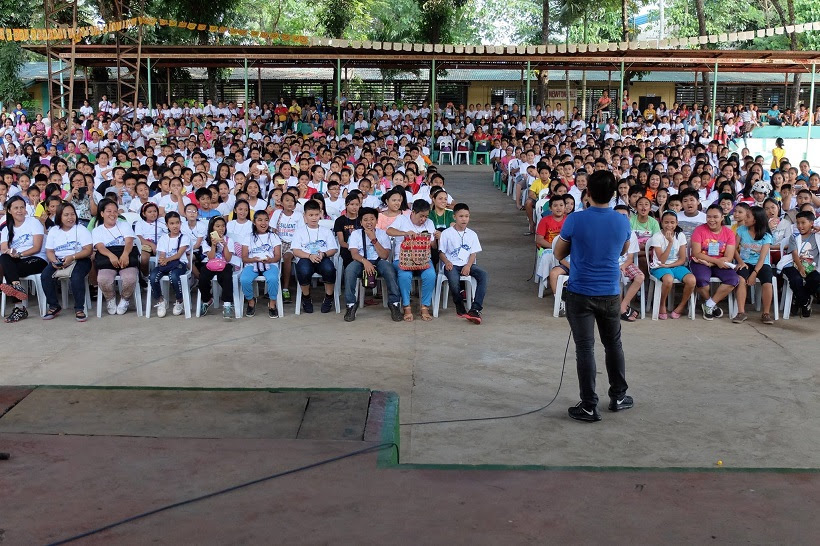 the-voicemaster-inspiring-thousands-of-teachers-and-students-in-the-deped-nation-of-heroes-iv