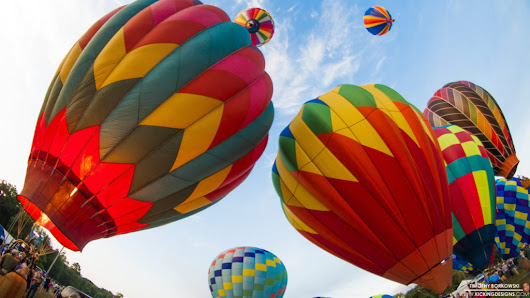 Hot Air Balloons 8-29-2016 Wallpaper Background | Kicking Designs