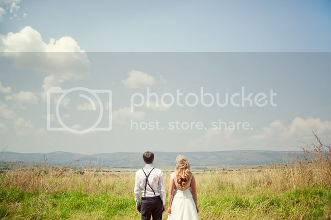 http://i892.photobucket.com/albums/ac125/lovemademedoit/FA_sharethelove_039.jpg?t=1304431575