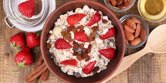 5 Ways to Improve Your Morning Oatmeal - The Beachbody Blog