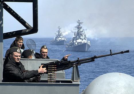 H Ρωσία ενισχύει συνεχώς τη ναυτική «ομάδα κρούσης» της στην Ανατ. Μεσόγειο